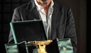 Giuseppe Tornatore ritira il premio al Festival della Letteratura di Viaggio