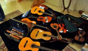 Raccolta strumenti musicali Bari