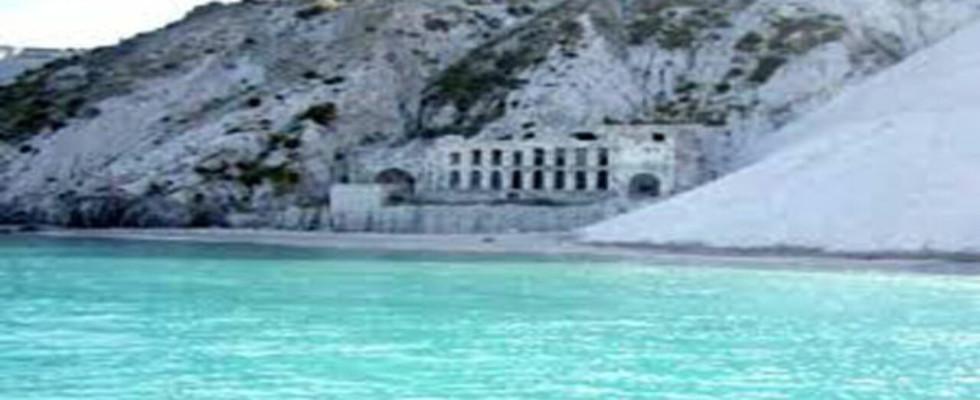 """Cave di pomice di Lipari, Federculture: i """"tesori di pietra"""" sono """"luoghi identitari"""", siano preservati e valorizzati come museo"""